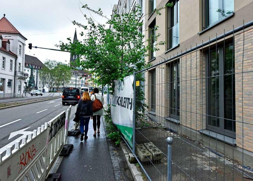 Vom neuen Wohnheim gibt es – wen...ter lehnt – sogar  Münsterblick.  | Foto: Michael Bamberger
