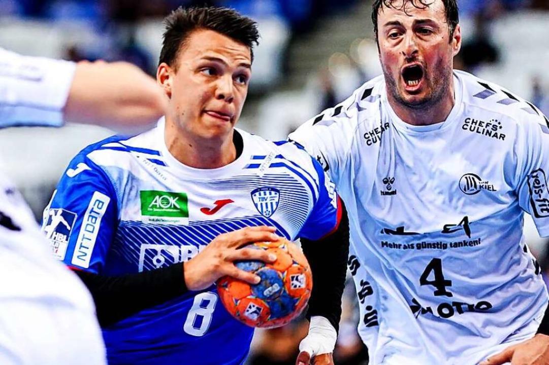 Gegen den THW Kiel sorgten Frederik Si... TBV Lemgo für eine große Überraschung  | Foto: Axel Heimken (dpa)