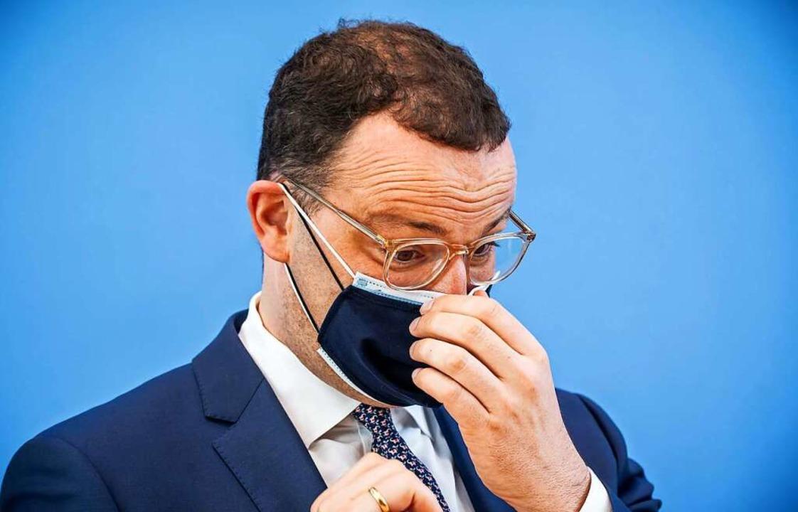 Zu viel Geld für Masken ausgegeben? Mi...er ein und kündigte Verbesserungen an.  | Foto: Michael Kappeler (dpa)