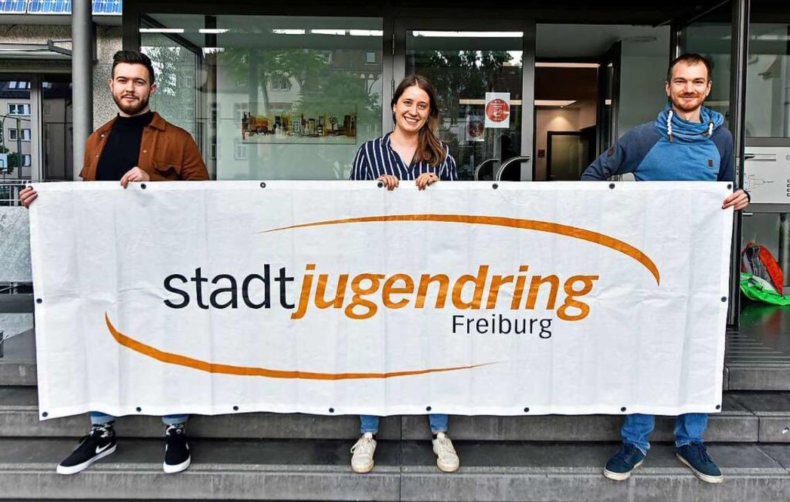 Im Stadtjugendring Freiburg engagieren... Veronika Honermann und Ludwig Striet.    Foto: Michael Bamberger