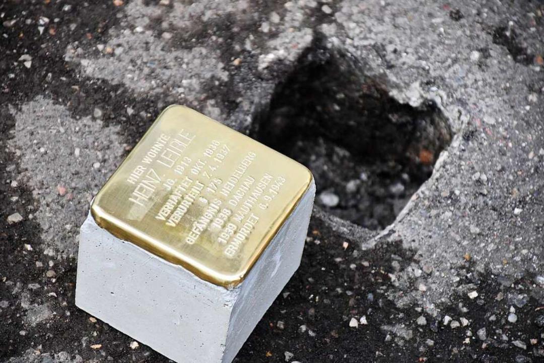 Auch in Schopfheim werden bald Stolper...gt – hier ein Stein aus Lörrach.  | Foto: Barbara Ruda