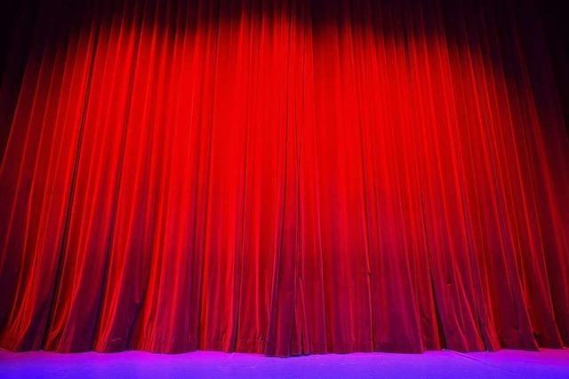 Schwarz oder freundlicher? Rat St. Peter diskutiert über Bühnenstoff