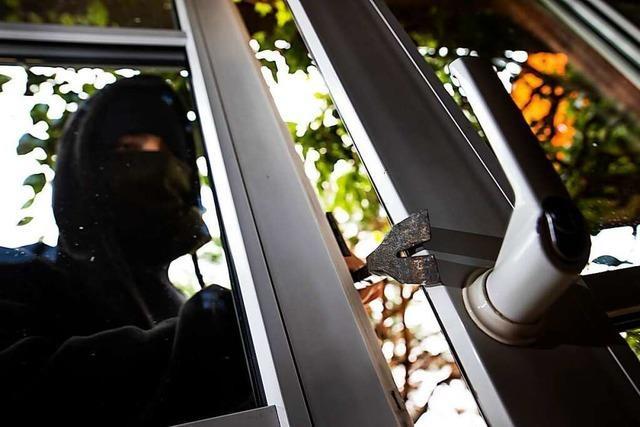 Polizei sucht Zeugen für Diebstähle in Ballrechten-Dottingen