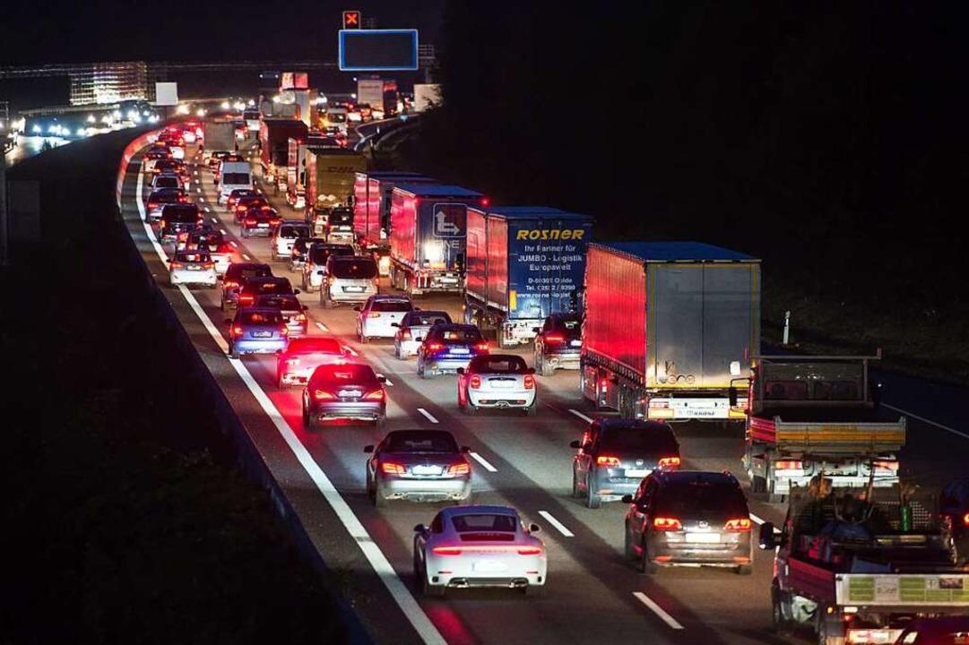 Der Verkehr ist ein großer Kohlendioxid-Verursacher.  | Foto: Silas Stein