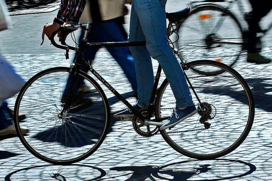Lieber  Rad statt Auto fahren, lautet ein oft formulierter Appell.  | Foto: Michael Bamberger