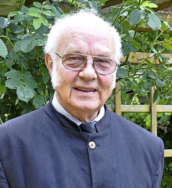 In sechs Jahrzehnten viel erlebt: Pfarrer Robert Henrich.  | Foto: Rainer Ruther