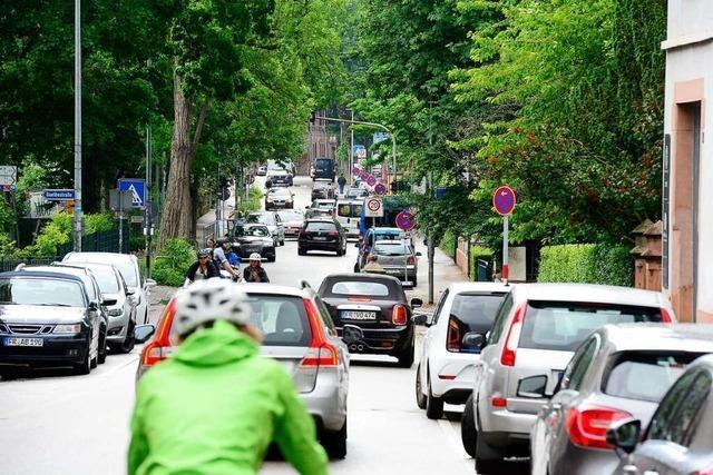 Initiativen sperren am Sonntag die stark befahrene Lorettostraße