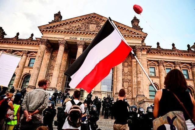Polizei soll nicht generell gegen Reichs- und Reichskriegsflaggen vorgehen