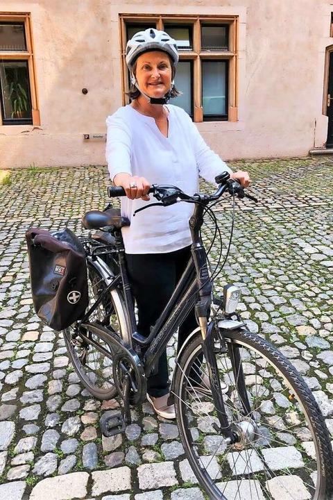 Vorbildlich: Regierungspräsidentin Bärbel Schäfer radelt zur Arbeit.  | Foto: Heike Spannagel