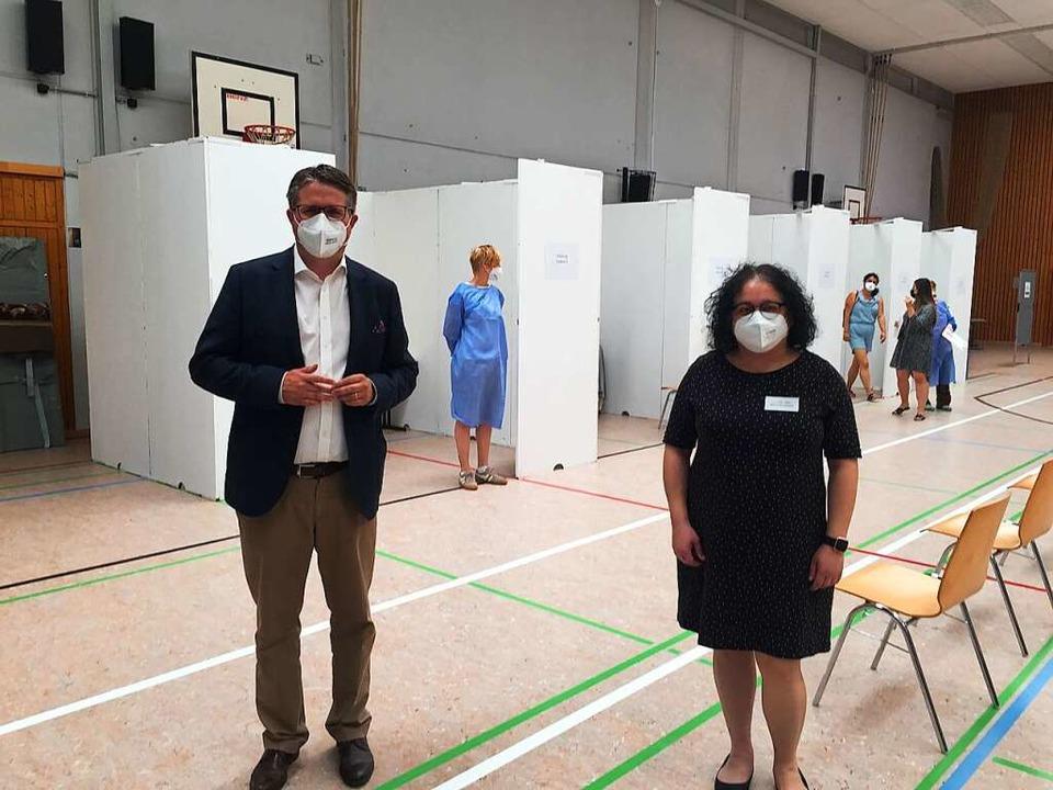 400 Impfungen wurden von fünf Ärzten e...halle in Grenzach-Wyhlen durchgeführt.  | Foto: Julia Jacob