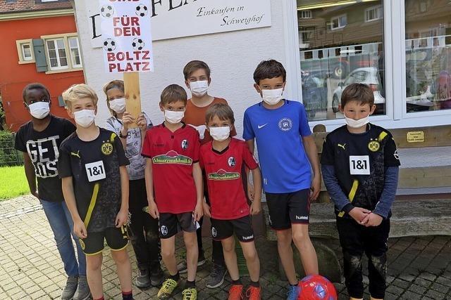 Schweighofer Kinder wollen Bolzplatz behalten