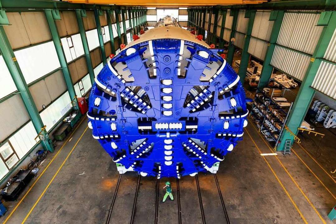 Riesige Dimensionen: Ein Herrenknecht-... einer der Maschinen des Unternehmens.  | Foto: Philipp von Ditfurth (dpa)