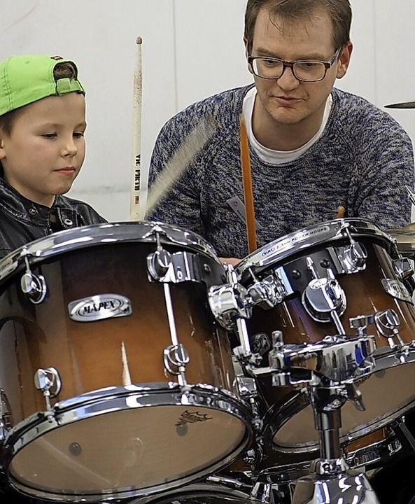 Ausprobieren heißt das Motto bei einer Aktion der Musikschule  | Foto: Musikschule Offenburg