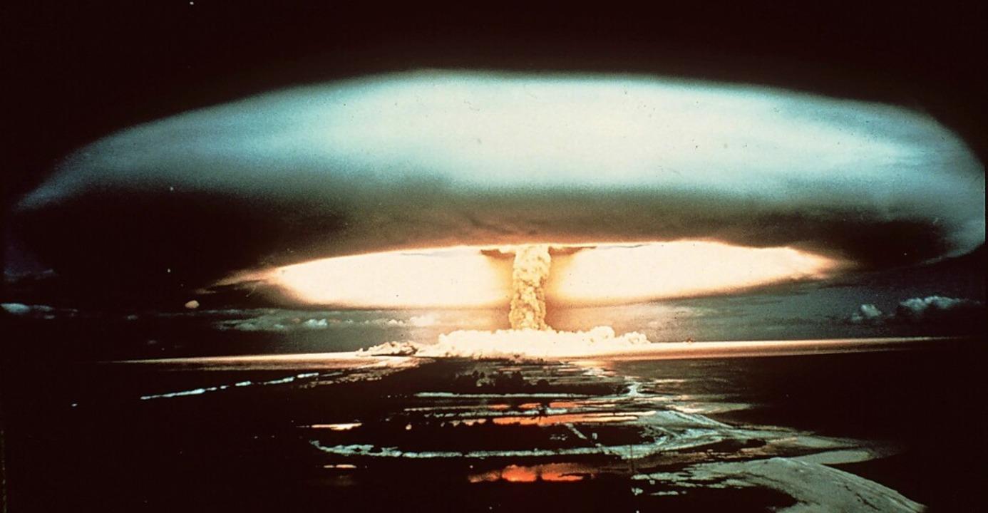 Ein Bild aus der Vergangenheit: Ein  A...chen Bombentest 1970 am Mururoa-Atoll.  | Foto: - (dpa)