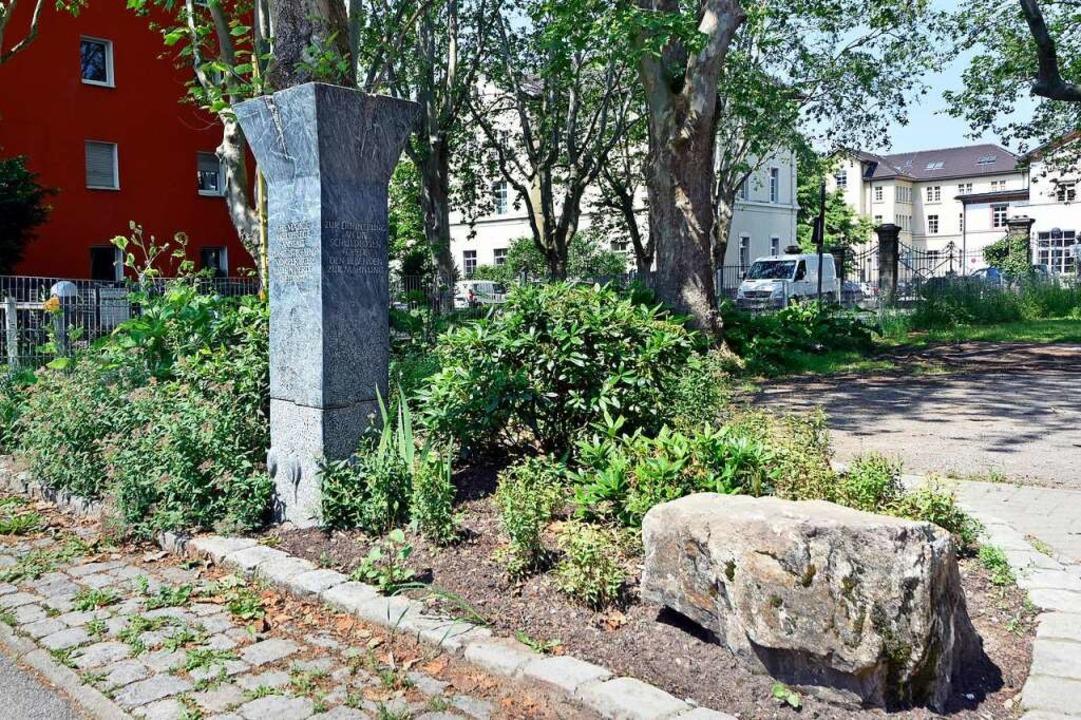 Der Erinnerungsort für die Ermordeten ...olzstraße wurde unlängst aufgehübscht.  | Foto: Michael Bamberger
