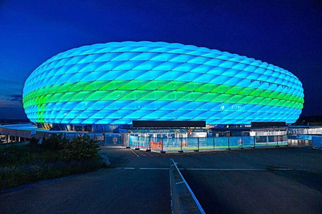 Sie leuchtet ausnahmsweise nicht in de... die Fußballarena im Münchner Norden.   | Foto: Frank Hoermann/SVEN SIMON via ww