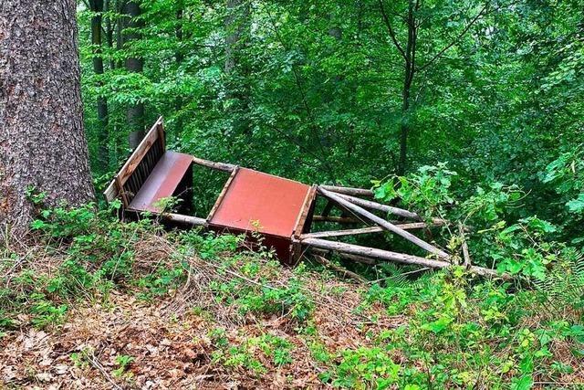 Unbekannte haben 14 Jagdeinrichtungen im Friesenheimer Wald zerstört
