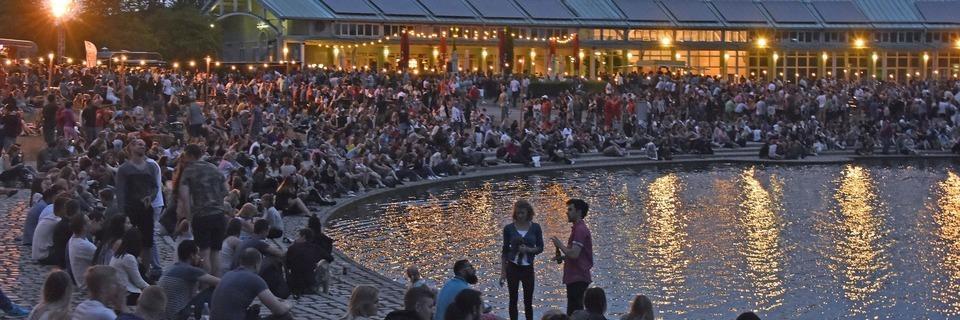 Platzverweise für mehrere hundert Leute am Freiburger Seepark am Samstag