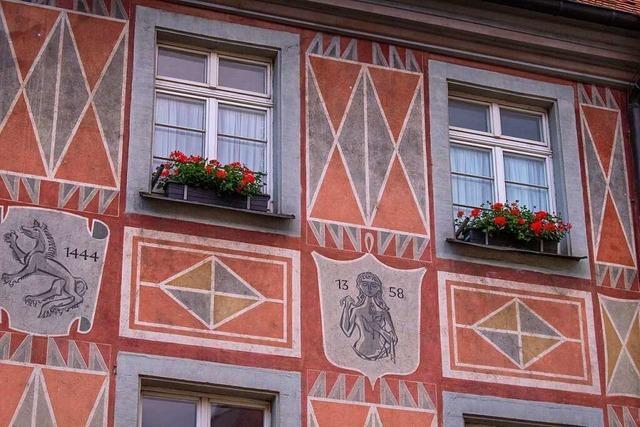 Fotos: Freiburgs Fassaden sind bunt und detailreich