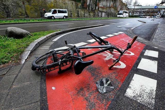 Radlerin verletzt sich auf dem Freiburger Schlossbergring