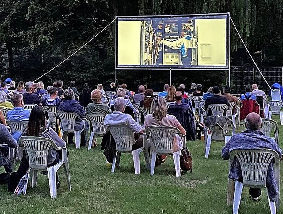 An der frischen Luft und bei sommerlic...ahr im Waldschwimmbad Filme zu sehen.   | Foto: Koki-Breisach