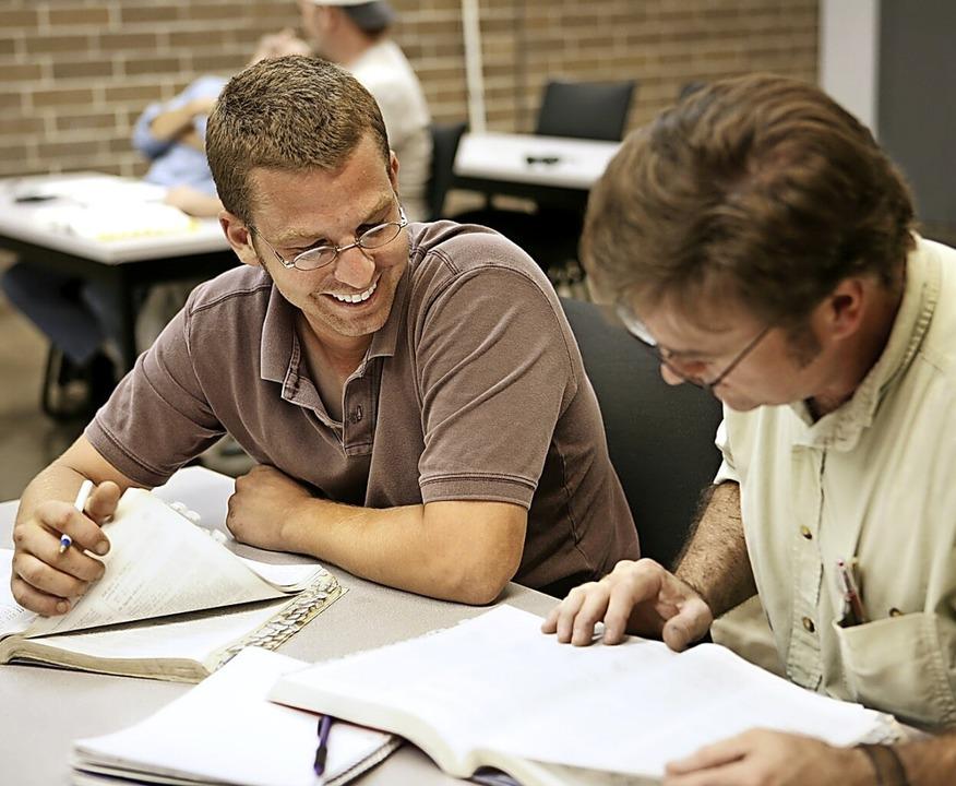 Wer sich qualifiziert, kann besser auf berufliche Veränderungen reagieren.  | Foto: fotolia.com/Lisa F. Young
