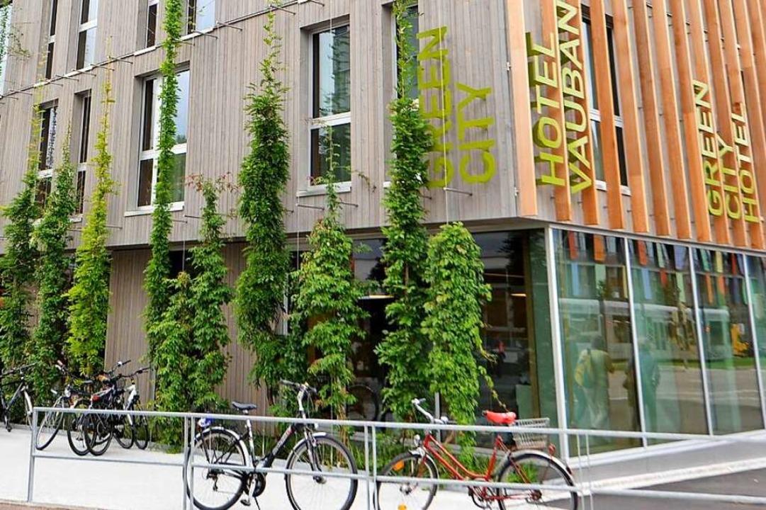 Mit Fassadenbegrünung setzt unter ande... Hotel in Vauban Akzente (Archivbild).  | Foto: Rita Eggstein