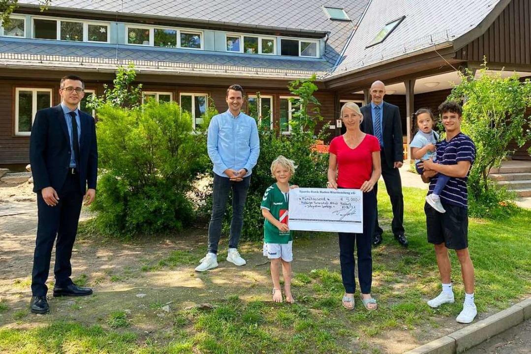 Das Foto zeigt von links Philipp Krumm... des  Integrativen Sportkindergartens.  | Foto: privat