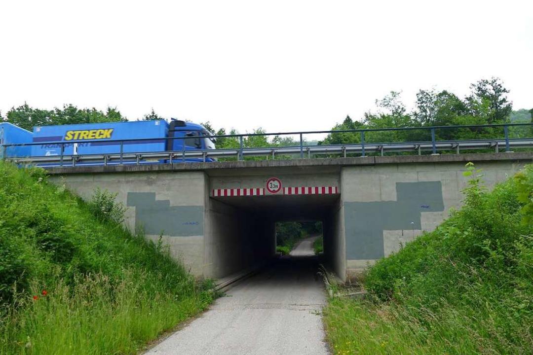 Die A5-Brücke bei Kleinkems ist trotz ...r, hält die Autobahngesellschaft fest.  | Foto: Victoria Langelott