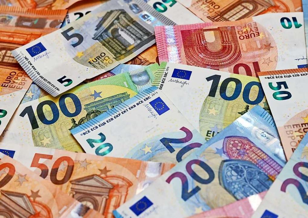 Wenn man für sein Geld weniger kaufen ...onate vorher, nennt man das Inflation.  | Foto: Patrick Pleul (dpa)