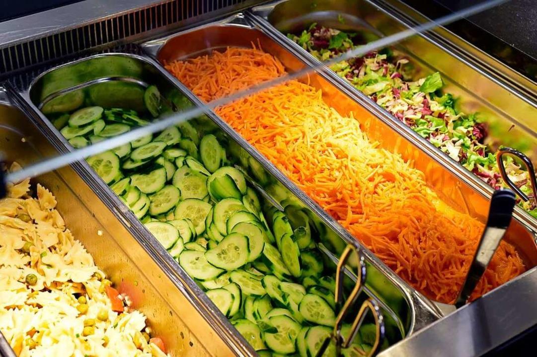 In Lörrach naschte ein Mann von einer Salattheke – mit Folgen.    Foto: Thomas Kunz