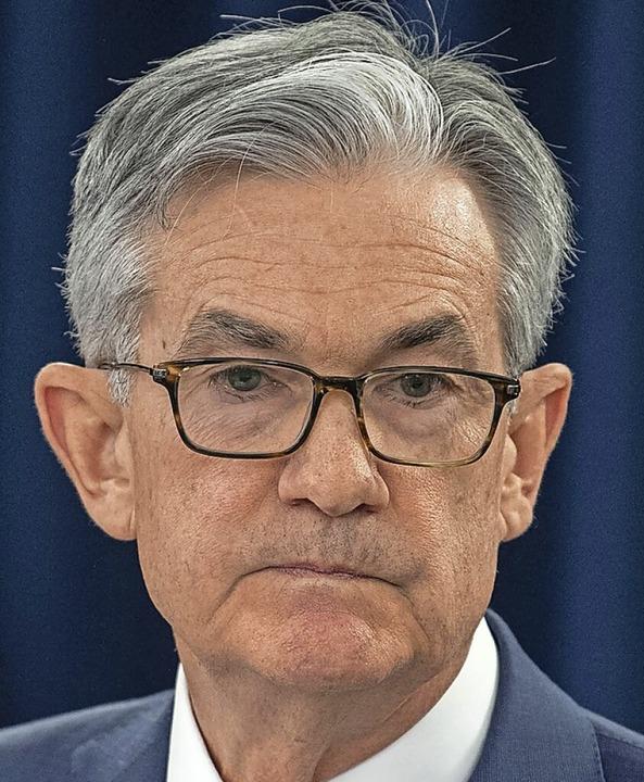 Ganz, ganz vorsichtig stimmt er die We...: Jerome Powell, Chef der US-Notenbank    Foto: ERIC BARADAT (AFP)