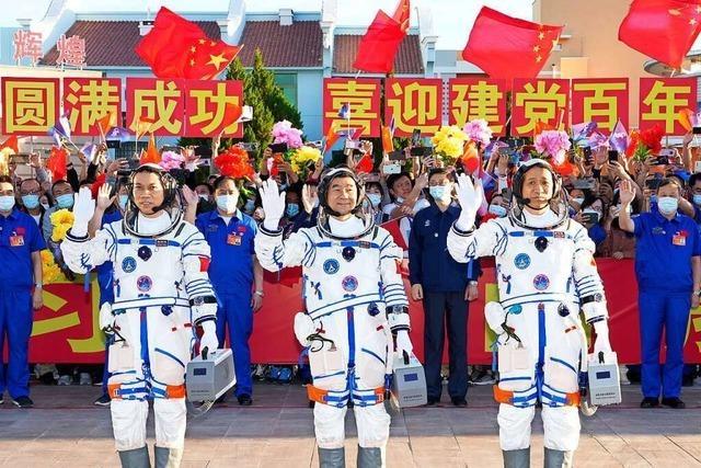 China bringt wieder eigene Astronauten ins All