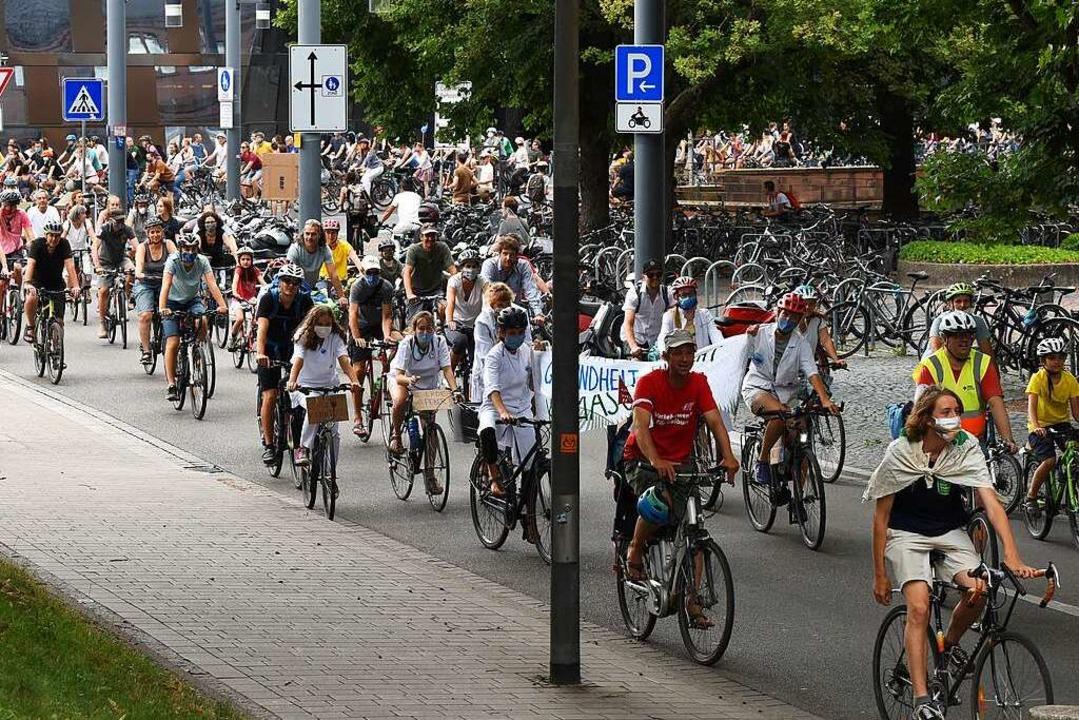 Fahrrad-Demo auf dem Platz der alten Synagoge(Archivbild)  | Foto: Rita Eggstein