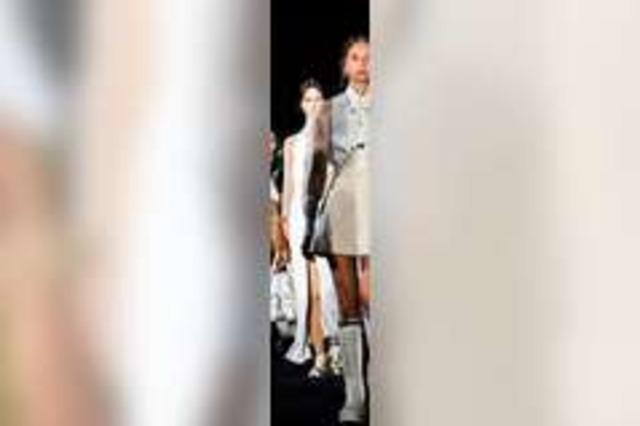 Fotos: Das Luxuslabel Dior zeigt seine Mode in Athen