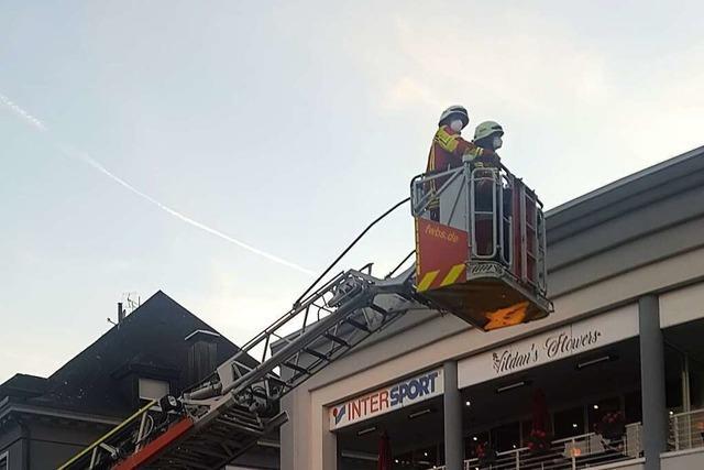 Glimmende Tiefkühltruhe ruft Feuerwehr auf den Plan