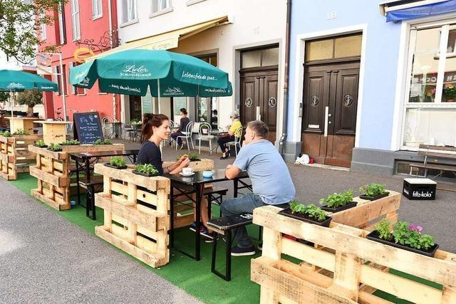 Ratsfraktionen fordern mehr Sitzgelegenheiten auf Freiburgs öffentlichen Plätzen