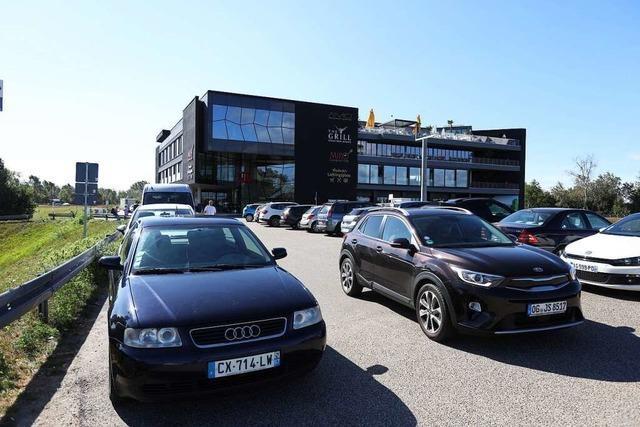 90 neue Parkplätze entstehen beim Forum am Rhein