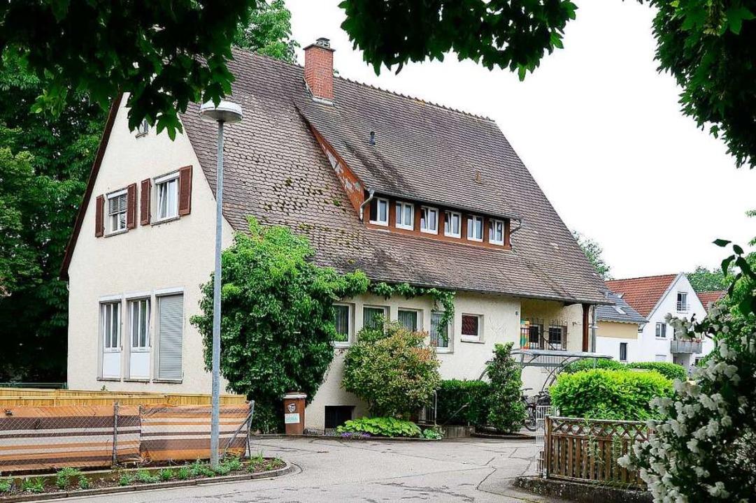 Das in unmittelbarer Nähe gelegene Rat...en Anforderungen nicht mehr gewachsen.  | Foto: Ingo Schneider