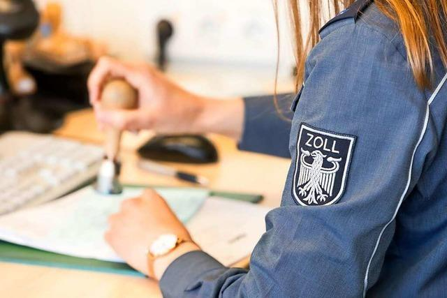 Die grünen Zettel an der Schweizer Grenze bleiben vorerst