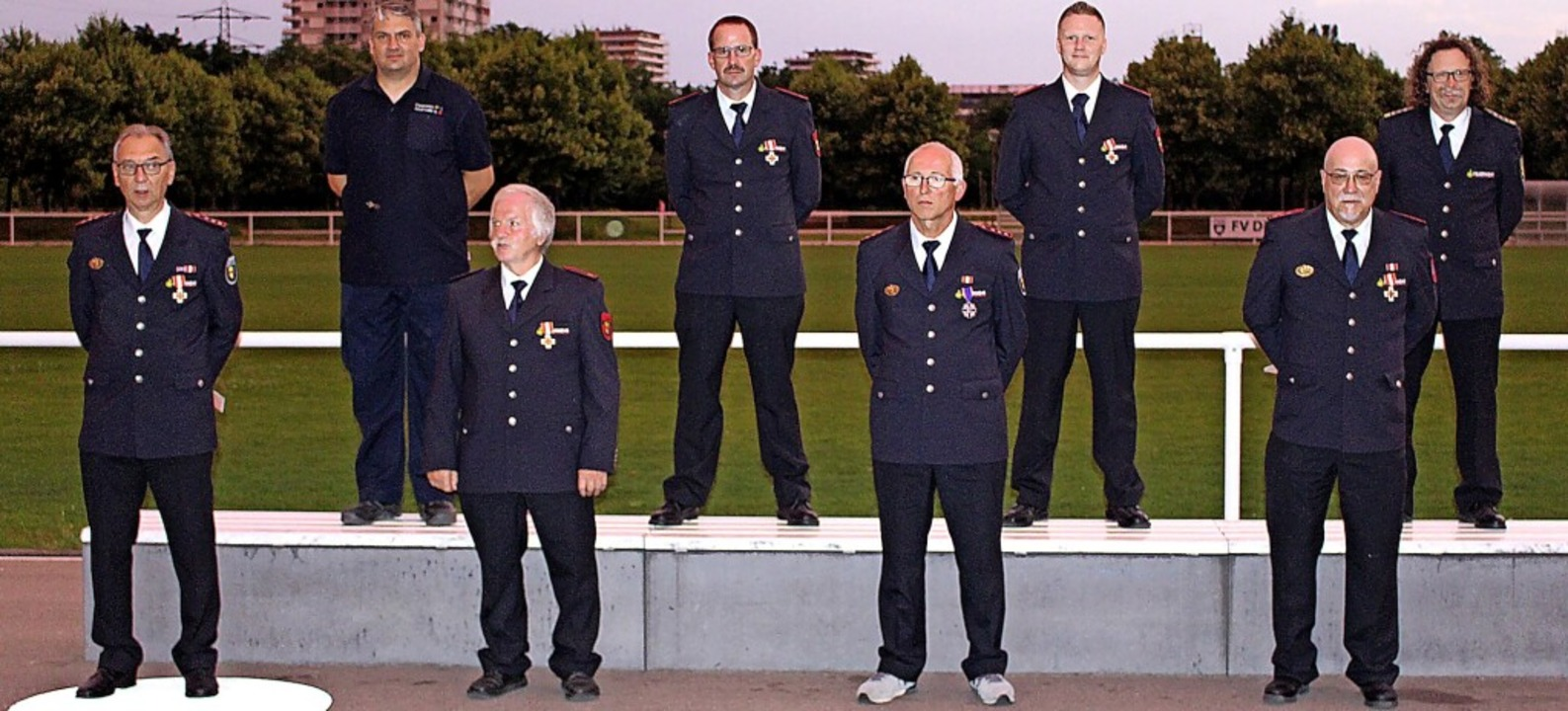 Kommandant Thomas Happersberger (recht...s Bux, Sven Neurohr und Frank Voßler.   | Foto: Reiner Beschorner