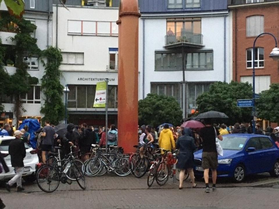 Die Demo endete auf dem Lederleplatz.  | Foto: privat
