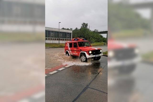 Straße überflutet