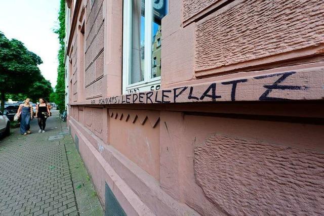 Die Masse macht's: Freiburger Psychologin zu Aggressionen in lauen Sommernächten