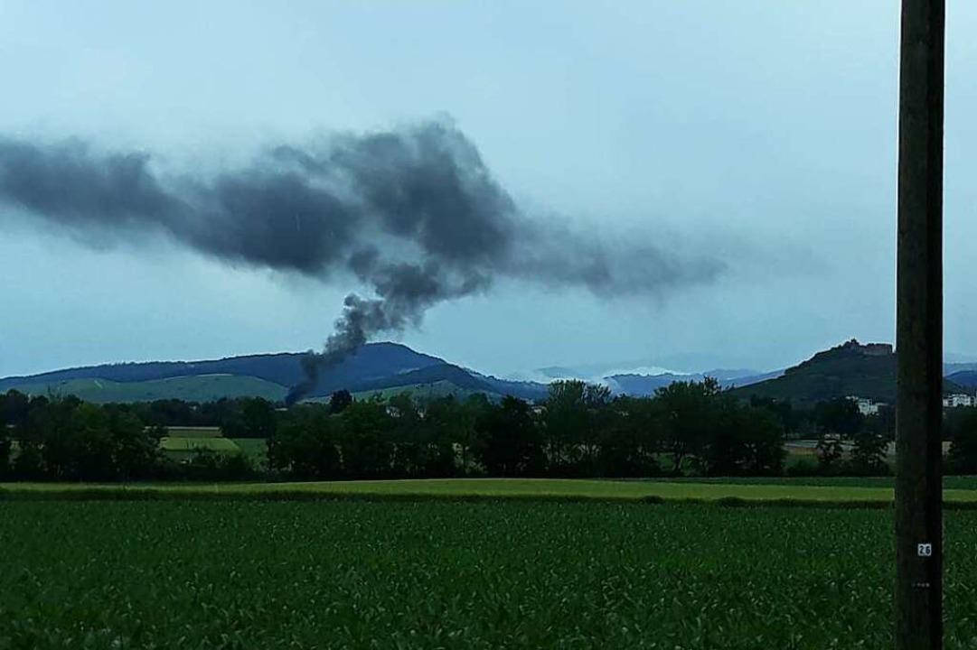 Auch aus dem Staufener Ortsteil Wettelbrunn war die Rauchsäule gut zu sehen.  | Foto: Rainer Ruther