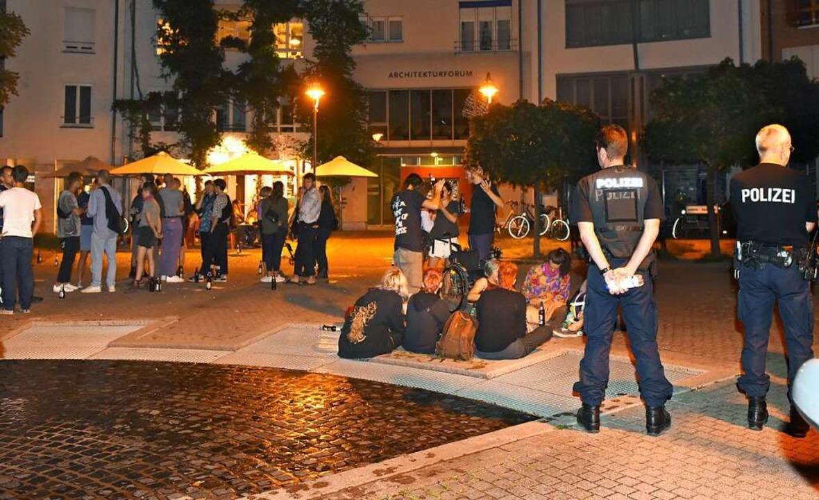 Rund 200 Demonstrantinnen und Demonstr...ederleplatz verabschiedet. Symbolbild.  | Foto: Rita Eggstein