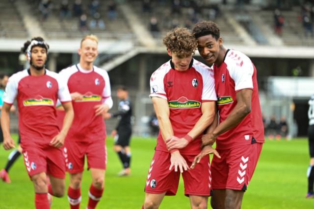 Sechs SC-Fußballschüler steigen in den Profikader der Freiburger auf