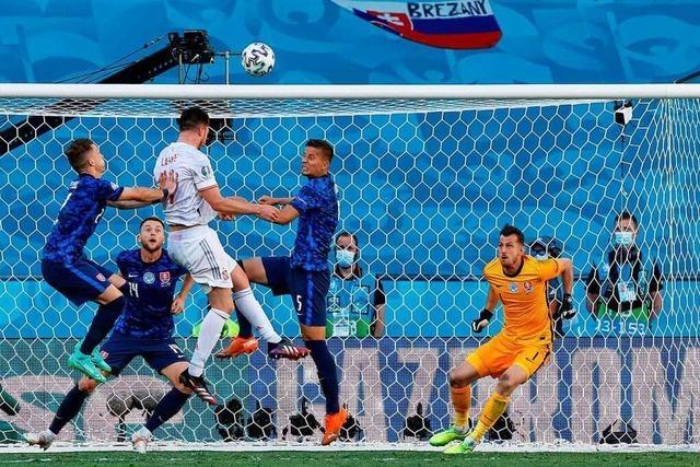 Spanien besiegt Slowakei mit 5:0 und steht im Achtelfinale