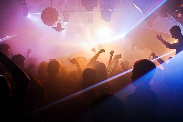Schweiz weitet Lockerungen aus – mit Großevents und offenen Clubs