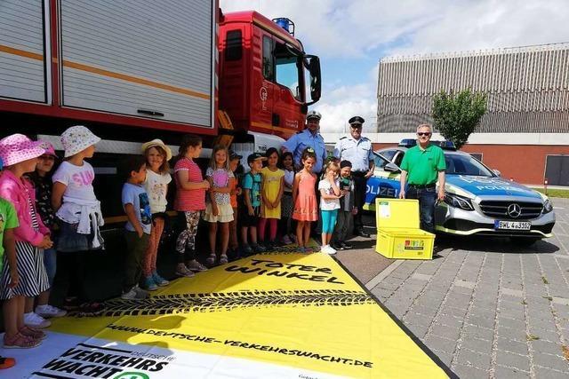 Wie die Verkehrswacht Lahr Kinder über den toten Winkel aufklärt